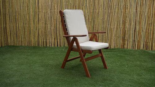 כסא עץ אורגון
