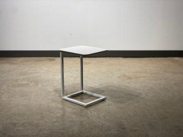 שולחן רוכב לבן